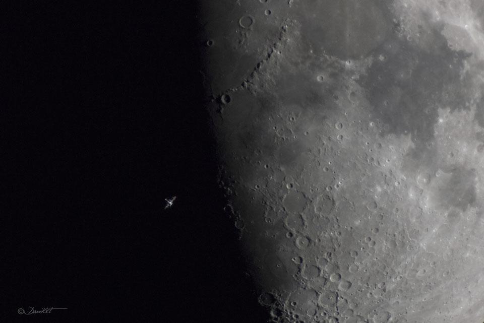 La Estación Espacial sobre el terminador lunar