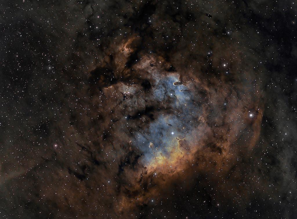 NGC 7822 en Cefeo