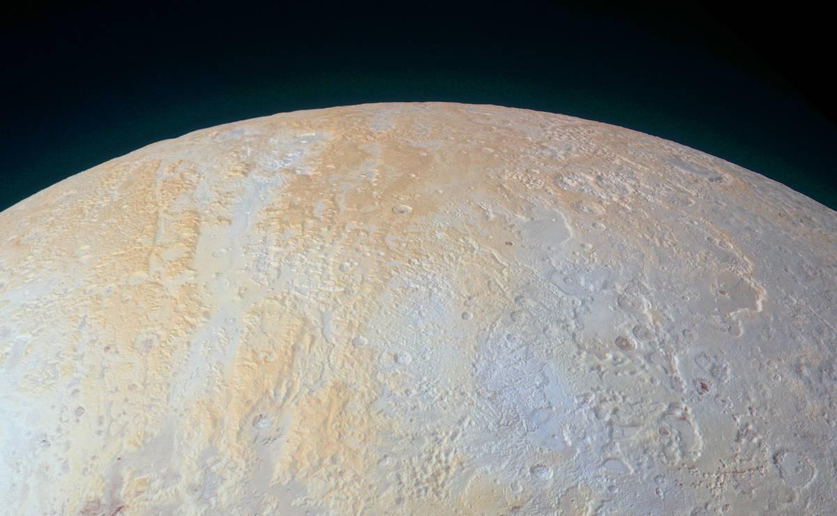 Al norte de Plutón